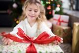 Co s nevhodnými dárky? Vrátit, vyměnit, nebo prodat