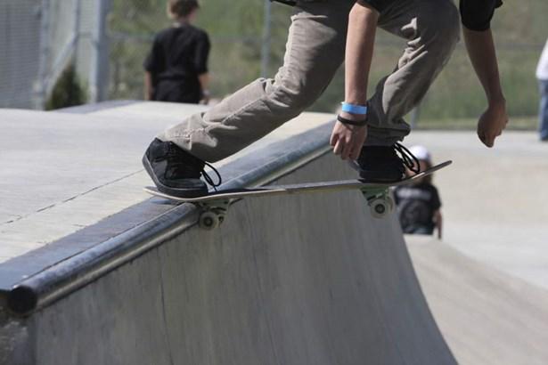 Popis: Ilustrační foto. Klub Station 17 v Blatné pořádá závody na skateboardech.