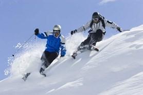 Tušíte, kolik zaplatíte za ošetření zlomeniny při lyžování v Alpách?