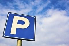 Vybudov�n� nov�ch parkovac�ch st�n� m� zpo�d�n�