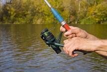 Samozvaný rybář nic nechytil, navíc ho čekají problémy