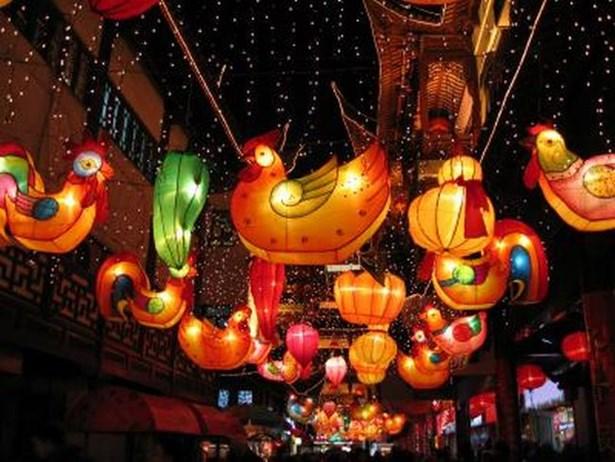 Popis: Vánoční výzdoba v Číně.