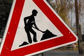 Uzav�rka p�i oprav� mostu v Moskevsk� ulici v �esk� L�p� se je�t� zkr�t�