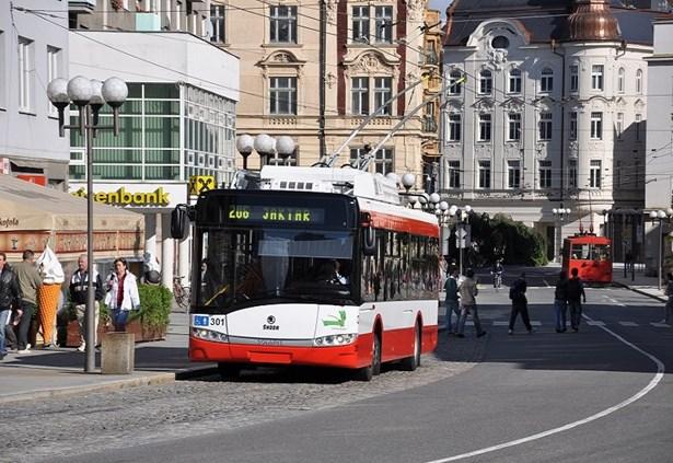 Popis: Ilustrační foto. Trolejbus Opava.