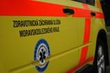 Čtyři zranění při střetu motocyklu s automobilem na Opavsku