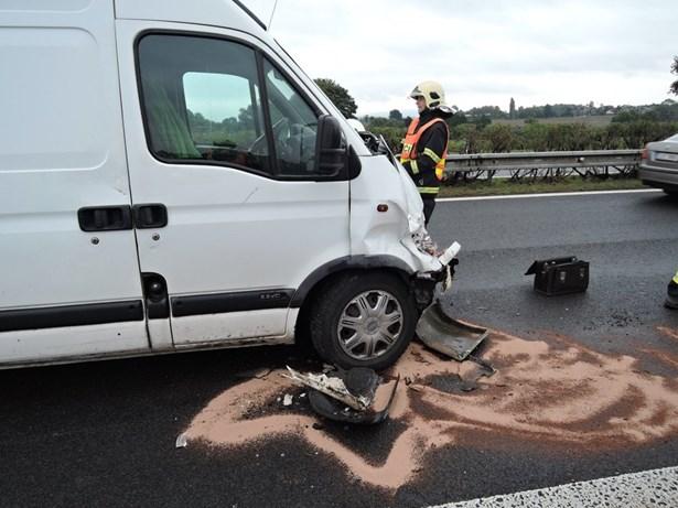 Popis: Výjezdy hasičů v Libereckém kraji směřují k nehodám.