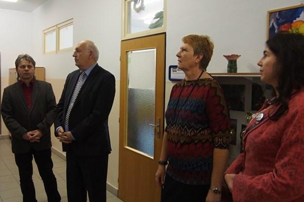 Popis: Hejtman navštívil školy v Rokycanech.