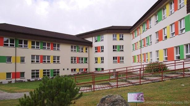 Popis: Rekonstrukce budovy základní školy v Železné Rudě patří k nejvýznamnějším investičním akcím města v letošním a příštím roce.