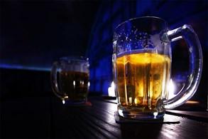 Dva opilé řidiče zadrželi o víkendu strážníci v centru Prahy