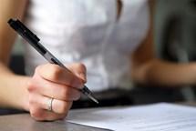 Podepsali jste potvrzení podomnímu prodejci? Možná jste uzavřeli novou smlouvu
