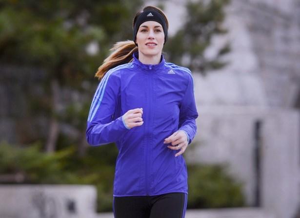 Popis: Bývalá miss Lucie Křížková začala běhat a těší se na maraton.