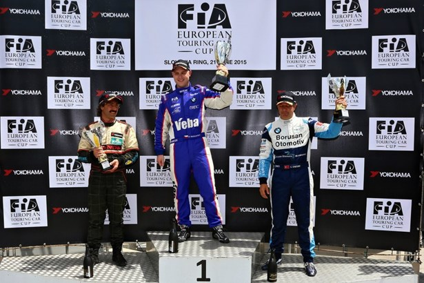 Popis: Český reprezentant Michal Matějovský zvítězil i ve druhém závodě FIA ETTC na Slovakiaringu.