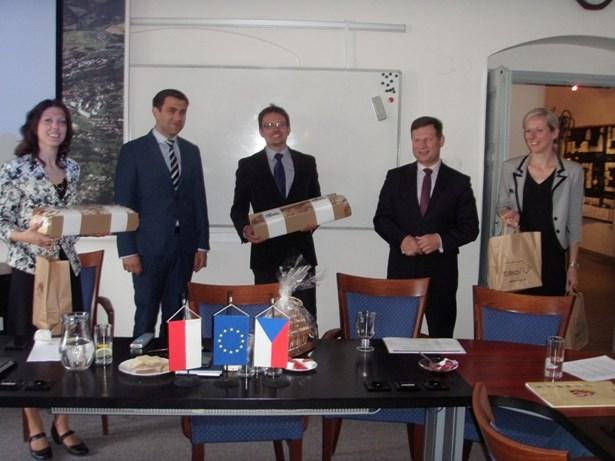 Popis: Zástupci Turnova a Jawora zahájili novou kapitolu přeshraniční spolupráce.