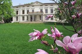 Víkend otevřených zahrad v zámku Lešná