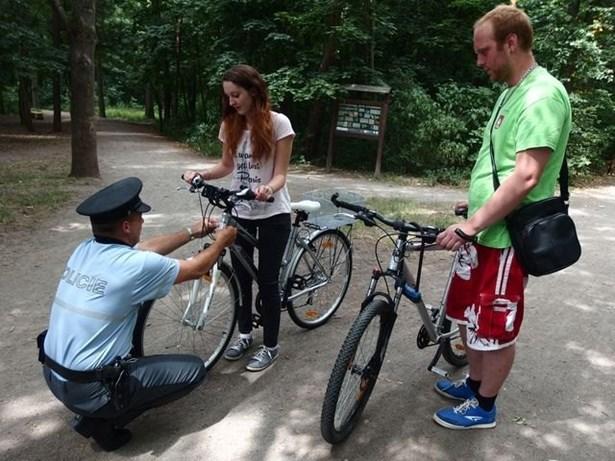 Popis: Ve čtvrtek 16. 7. 2015 dopoledne se policisté zaměřili na kontrolu cyklistů na Prostějovsku.