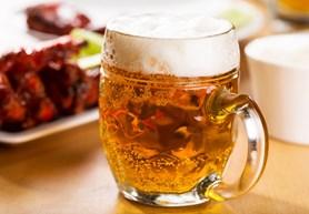 Pivo na Náplavce: dvoudenní festival představí 50 tuzemských minipivovarů