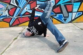Hip-hop, graffiti i croissanty. To v�e nab�dne festival frankofonn� kultury v Plzni
