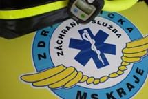 Záchranáři resuscitovali sraženou chodkyni ve Frýdku-Místku