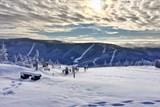 Sjezdovky ve Špindlu zasypal první sníh. Skiareál se připravuje na otevření zimní sezóny