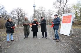 Okolí Petřína je nyní propojeno se Zahradou premonstrátů