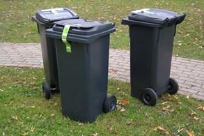 Nový Jičín kvůli kontrole odpadů lepí na popelnice QR kódy