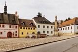 Vzácný barokní dům na náměstí v Úterý může být brzy ruinou. Místní spolek se snaží o jeho záchranu