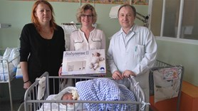 Nymbursk� porodnice z�skala darem dal�� senzorov� podlo�ky