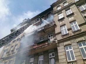 Ze zakou�en�ho domu v Brn� se muselo evakuovat osm osob