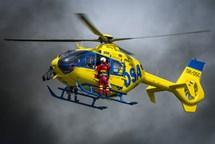 Do Hradce doraz� desetitis�ce fanou�k� helikopt�r a motorsportu