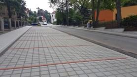 Nov� parkovi�t� v Sokolsk� ulici u� zanedlouho ocen� p�edev��m rodi�e prv���k�
