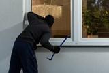 Vloupání do domácností oproti loňsku ubylo. V létě jsou však domy a byty k loupežím nejnáchylnější
