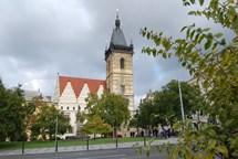 Už v první jarní den si můžete svět prohlédnout z vyhlídky věže Novoměstské radnice
