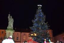 Valašské Meziříčí v pátek rozsvítí vánoční strom