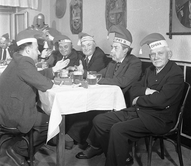 V Kosárně U Slejšků, rok 1948.