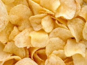 České chipsy jsou dražší a nezdravější než ty německé, ale chutnají lépe