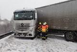 Hasiči v Moravskoslezském kraji zasahovali během středečního dopoledne u 13 nehod