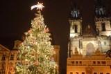 Lidé rozhodli, rozsvěcování stromu a vánoční trhy se většině líbí