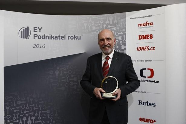 Popis: Jan Hasík, generální ředitel a majitel společnosti HSF System a EY Podnikatel roku 2016 Moravskoslezského kraje.