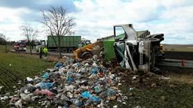Převrácený náklaďák zablokoval silnici na Boskovicku