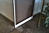 Agresivní 24letý Opavan poškodil vstupní dveře na Hlásce