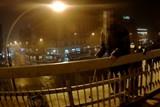 Hlídka strážníků rozmluvila muži skok z mostu