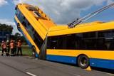 Kriminalisté odložili případ havarovaného trolejbusu