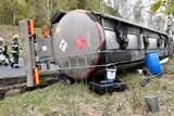 Převrácená cisterna s benzínem blokovala osm hodin provoz