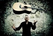 Nejoriginálnější světový kytarista Tommy Emmanuel v dubnu v Rudolfinu
