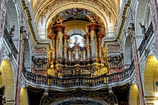 Popis: Varhany v bazilice sv. Jakuba na Starém Městě.
