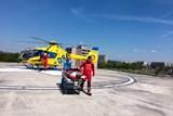 Pacient je po přeložení z vrtulníku na emergenci za  minutu a půl