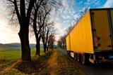 Nehod kvůli špatně uloženému nákladu prudce přibývá. Škody jdou do milionů