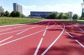 Hasiči v Hradci Králové modernizují výcvikový stadion