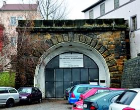 Nákup bývalého železničního tunelu v Litoměřicích schválili zastupitelé