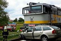 Na Hodonínsku se srazil vlak s autem